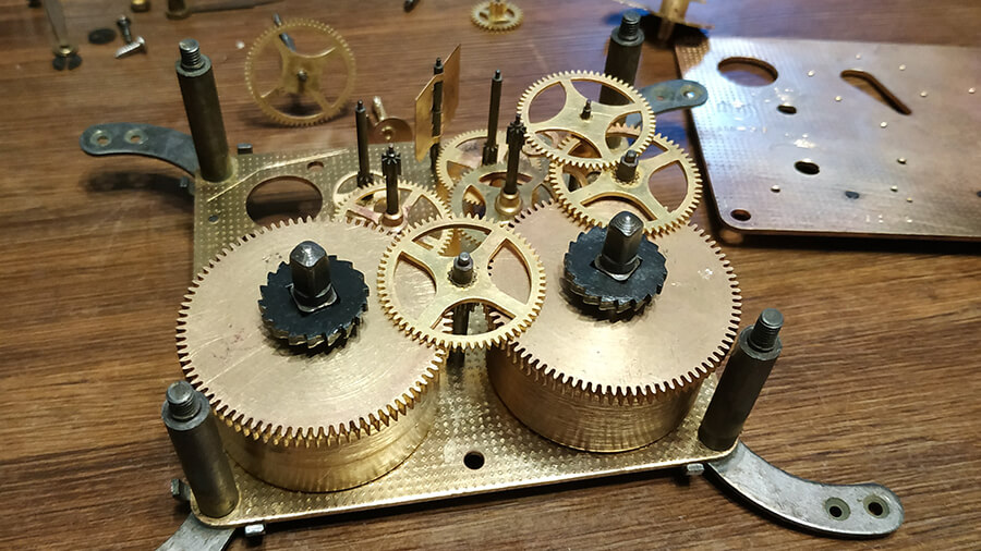 Боем с ремонт стоимость часов в спб часы продам